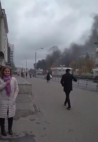 Внутри Алабяно-Балтийского тоннеля на севере Москвы загорелся автобус. Фото Скриншот https://www.youtube.com/watch?v=Or4Hwih1O5M, Скриншот Youtube