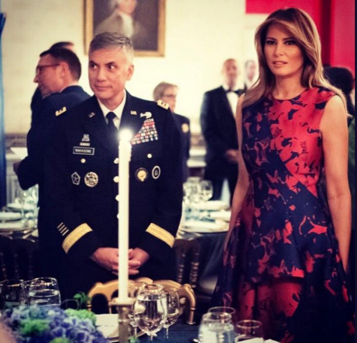 """Мелания Трамп на ужине в Белом доме. Фото https://twitter.com/FLOTUS/status/1181384516616773634?s=20, """"Metro"""""""