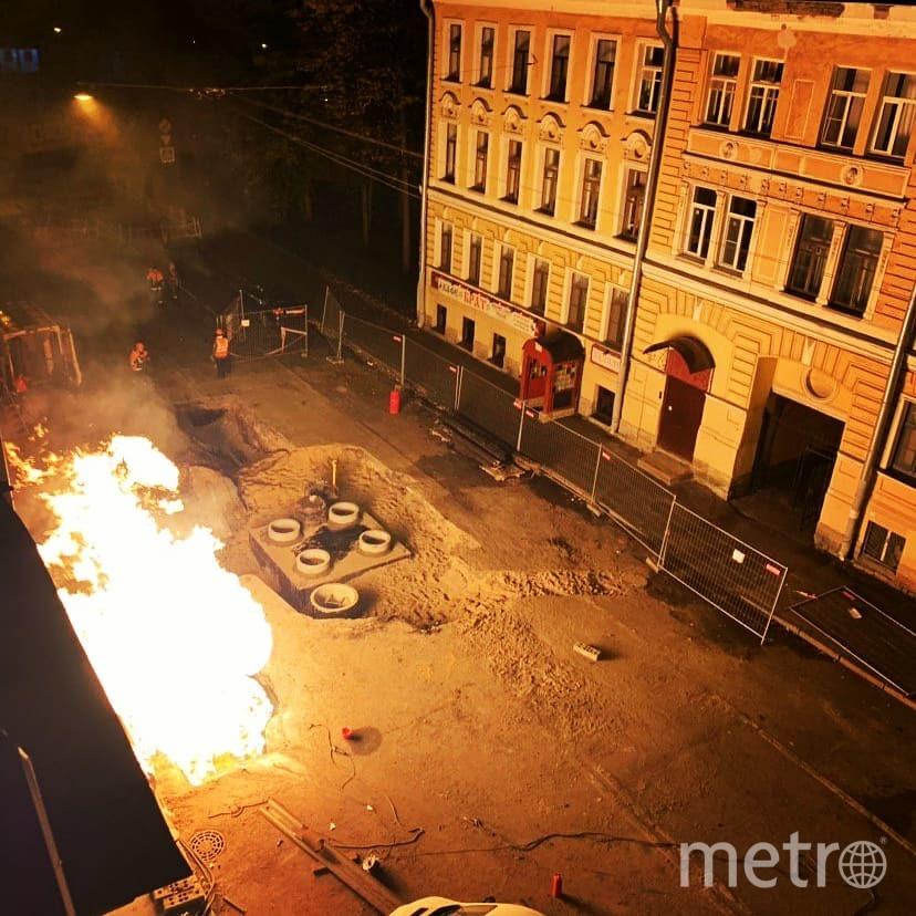 Фото с места пожара на Мытнинской. Фото ДТП/ЧП, vk.com