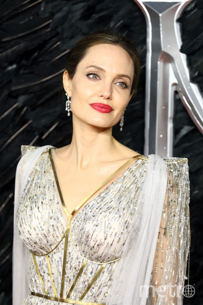 """Премьера """"Малефисенты"""" в Лондоне. Анджелина Джоли. Фото Getty"""