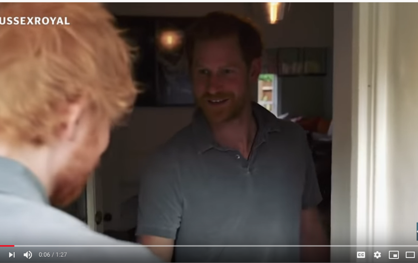 Эд Ширан и принц Гарри записали забавный ролик. Фото Скриншот Youtube
