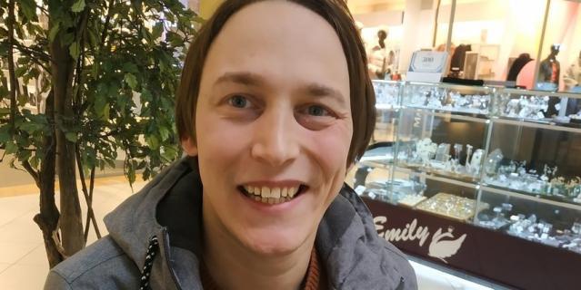 Юрий, актёр, 30 лет.