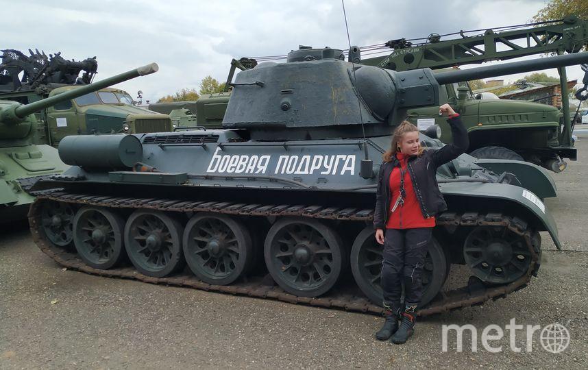 """На этом танке видны следы от пуль. Фото Ольга Кабанова, """"Metro"""""""