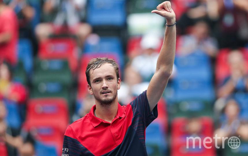 Даниил Медведев вышел в полуфинал Шанхай ATP Мастерс 1000 и сыграет с Циципасом. Фото Getty