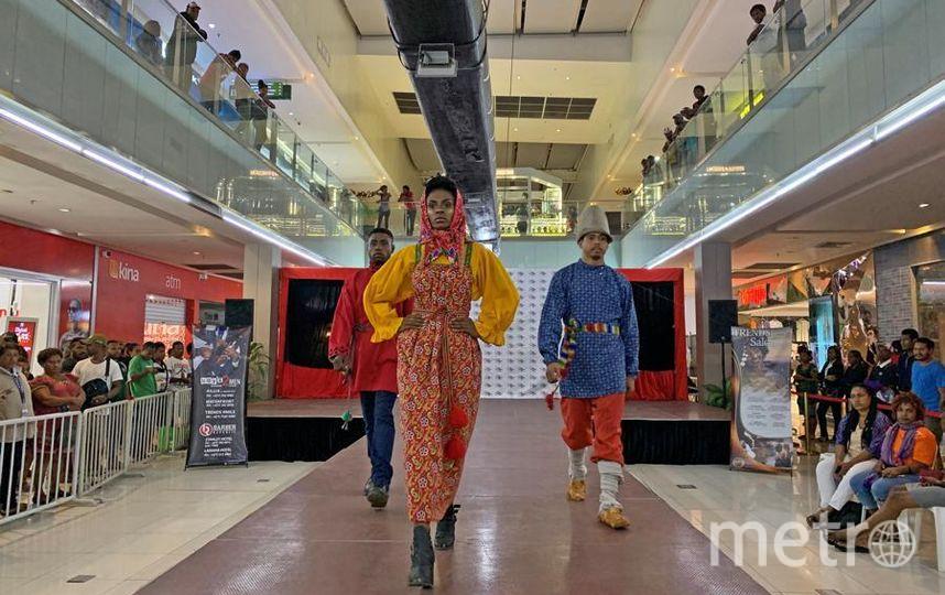 """Кокошник – самый узнаваемый элемент традиционного русского гардероба для иностранцев. Фото Все фото предоставлены Фондом им. Миклухо-Маклая, """"Metro"""""""