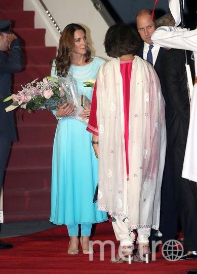 Кейт Миддлтон и принц Уильям прибыли в Исламабад в рамках своего первого официального визита в Пакистан. Фото AFP