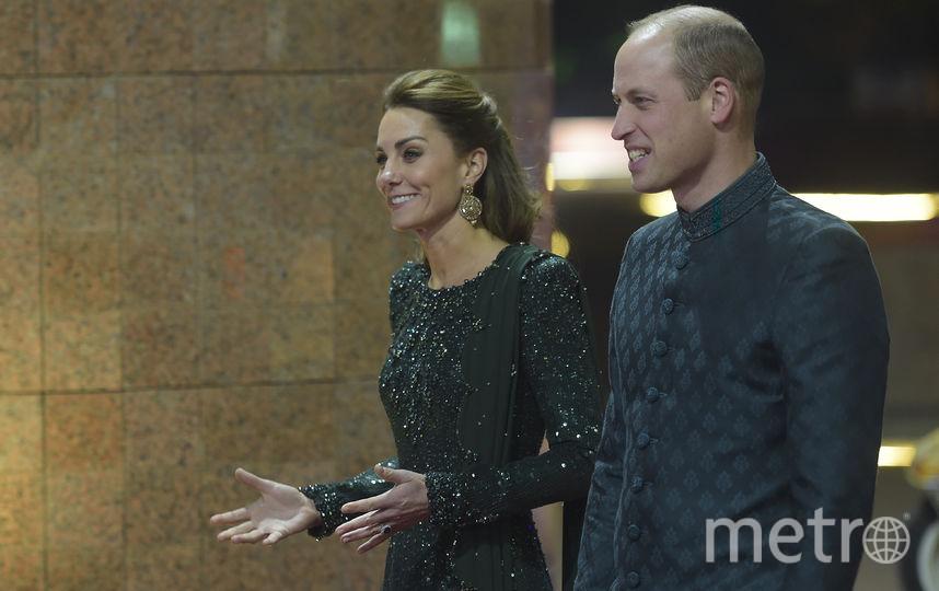 Кейт Миддлтон и принц Уильям прибыли в Пакистан с пятидневным туром. Фото AFP