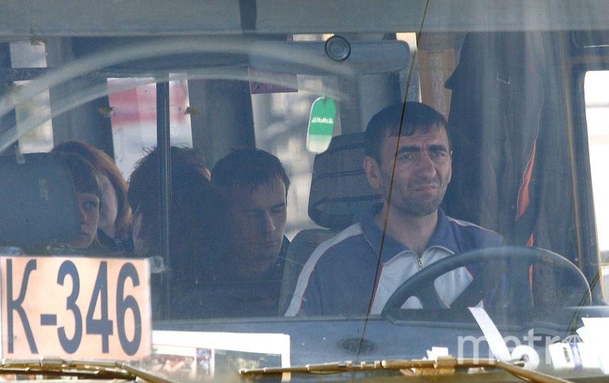 Горожане считают, что маршрутки нужно убирать, не устраивая стресса пассажирам и перевозчикам. Фото Интерпресс