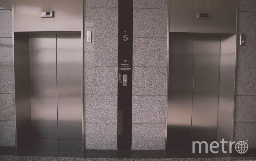 """В Петербурге в БЦ сорвался лифт с пассажирами: в Сети появляется противоречивая информация. Фото Pixabay.com, """"Metro"""""""