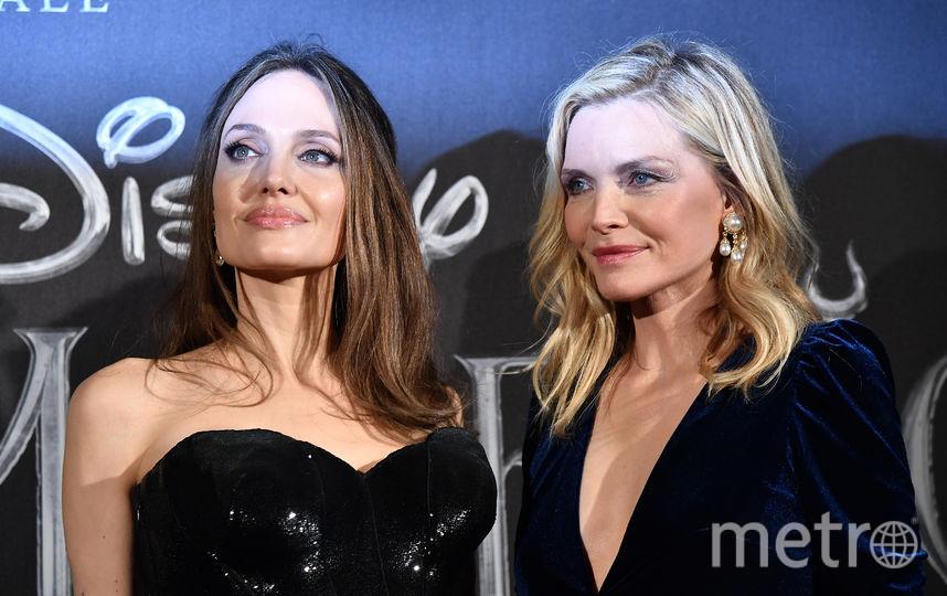 Мишель Пфайффер (справа) и Анджелина Джоли. Фото AFP