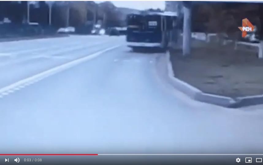 "Видео ДТП с троллейбусом в Чебоксарах. Фото https://www.youtube.com/watch?v=GDkzEHtRNjE, ""Metro"""