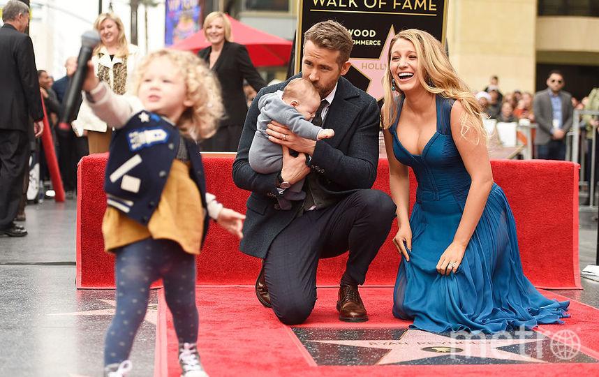 Райан Рейнольдс и Блейк Лайвли с дочерьми. Фото Getty