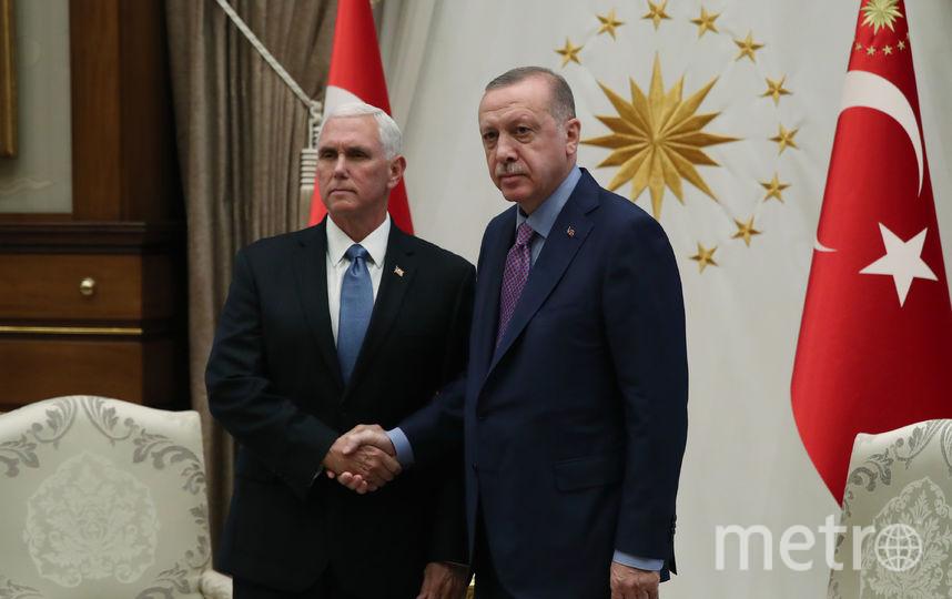 Президент Турции Реджеп Тайип Эрдоган (справа) и вице-президент США Майк Пенс (слева). Фото AFP