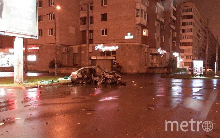 """Фото с места ДТП на Ленинском. Фото https://vk.com/spb_today, """"Metro"""""""