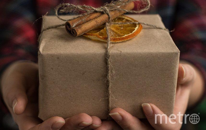 """Петербурженке вручили посылку с надкусанной шоколадкой. Фото Pixabay.com, """"Metro"""""""