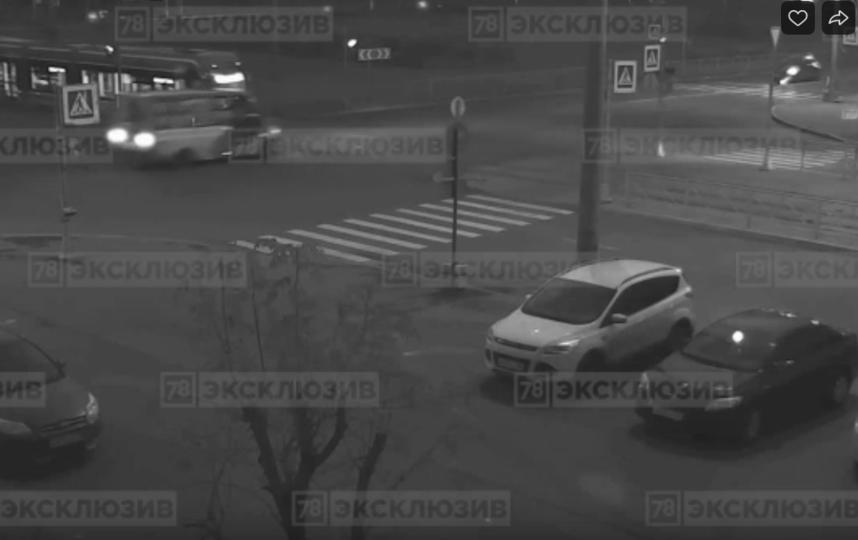 16 человек пострадали в ДТП с маршруткой в Петербурге. Фото vk.com/spb_today