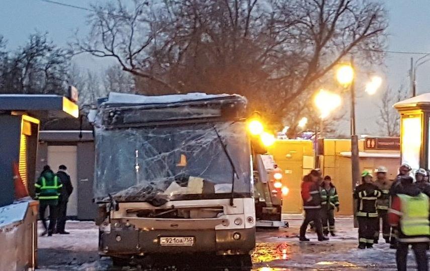 В результате страшной аварии погибли четыре пешехода, ещё двоим был причинён тяжкий вред. Фото Василий Кузьмичёнок