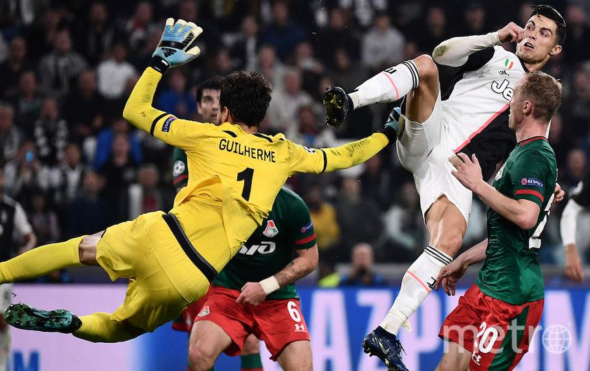 Роналду чуть не травмировал Гилерме. Фото AFP