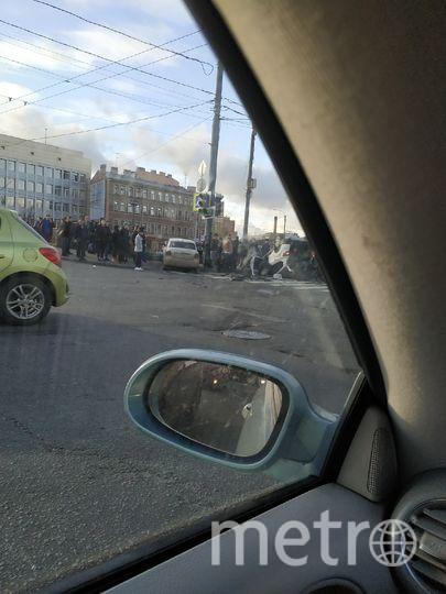В Петербурге две иномарки въехали в толпу пешеходов: жуткое видео. Фото ДТП и ЧП | Санкт-Петербург | Питер Онлайн | СПб, vk.com