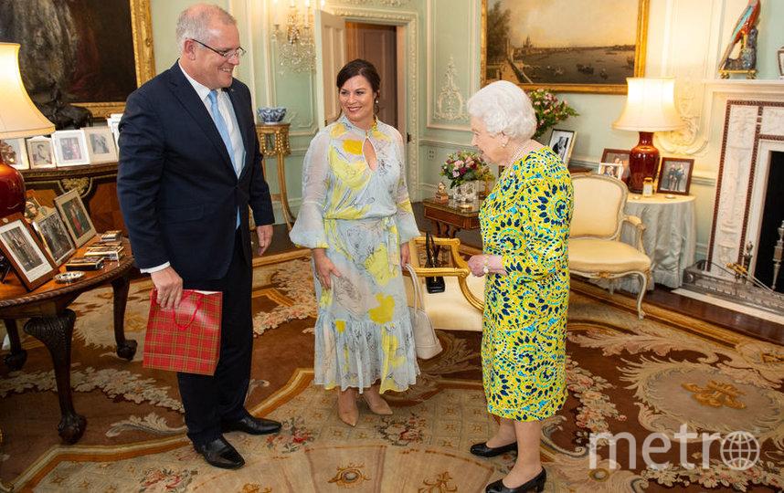 Столик - не единственное место, где Елизавета II ставит фото, июнь 2019. Фото Getty