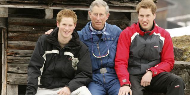 Принц Чарльз с сыновьями - Гарри и Уильямом.