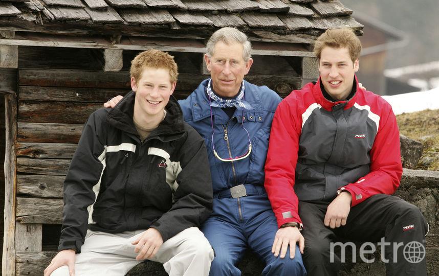 Принц Чарльз с сыновьями - Гарри и Уильямом. Фото Getty