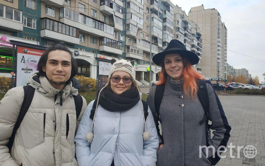 """Владимир, 19 лет, персональный закупщик (слева) и Мария, 21 год, студентка (справа). Фото Наталья Сидоровская, """"Metro"""""""