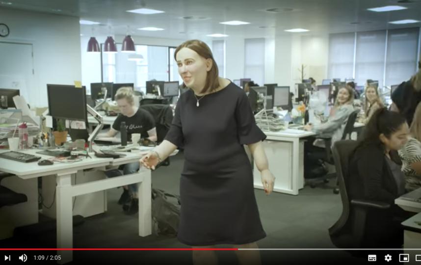 Учёные на примере макета Эмма показали, что станет с организмом человека после 20 лет сидячей работы. Фото скриншот https://www.youtube.com/watch?time_continue=90&v=fL5SuzGkUPw