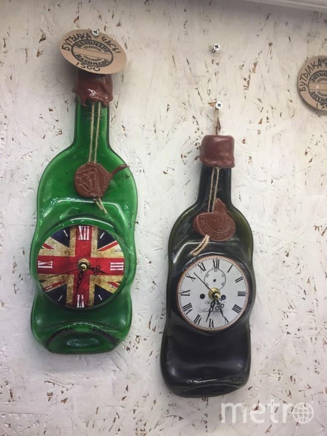 """Часы в виде бутылок. Фото """"Metro"""""""