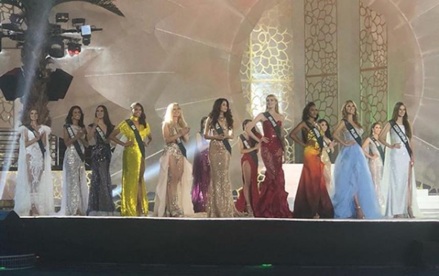 10 финалисток конкурса, россиянка Анна Бакшеева первая слева. Фото скриншот instagram.com/missearth/