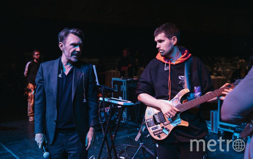 Сергей Шнуров встретился со своим оппонентом на сцене. Фото Дмитрий Шумов