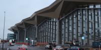 Машина столкнулась с самолётом в аэропорту Петербурга