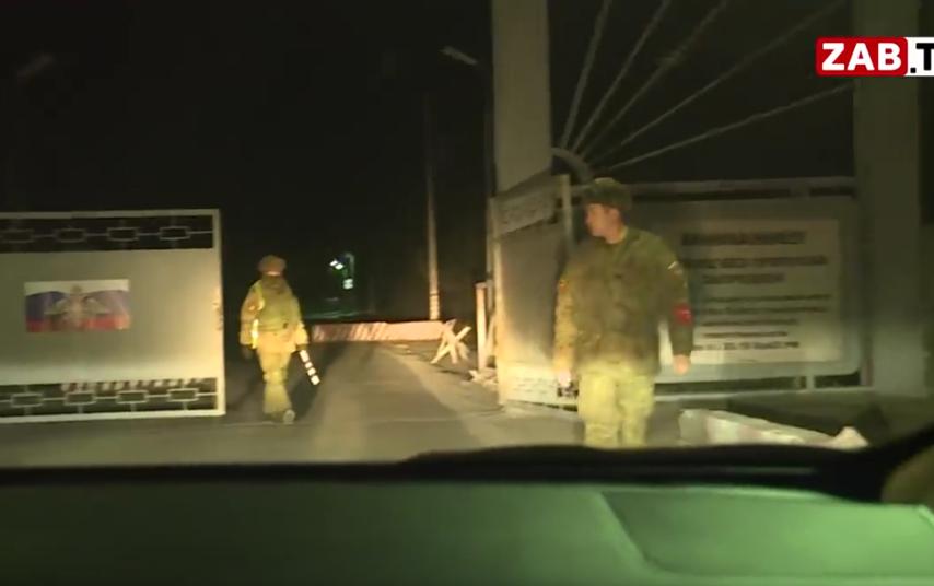 Стрельба в войсковой части 54160 произошла вечером в пятницу, 25 октября. Фото скриншот youtube.com/watch?v=eIg5BTF5h6s