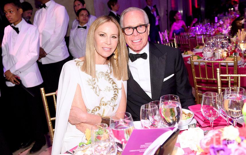 Модельер Томми Хилфигер с женой. Фото Getty