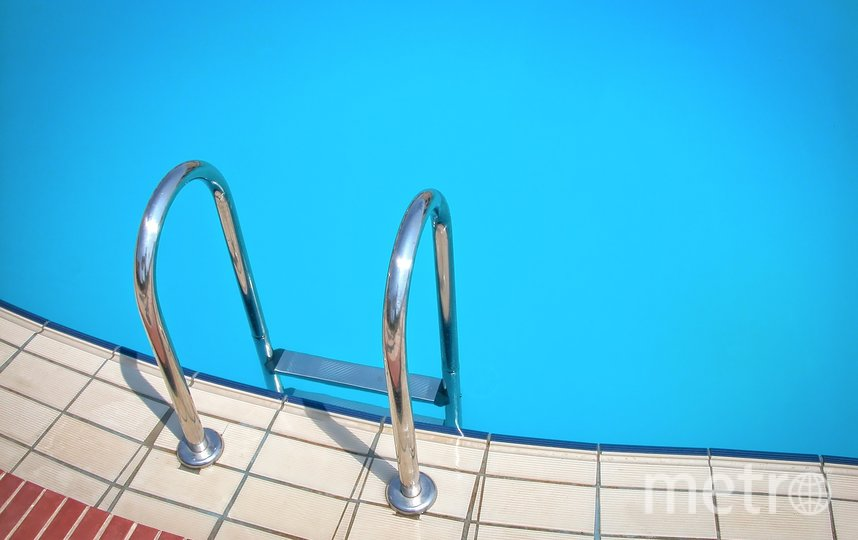 В Москве восьмилетнего мальчика засосало в трубу бассейна в здании Службы разведки. Фото pixabay