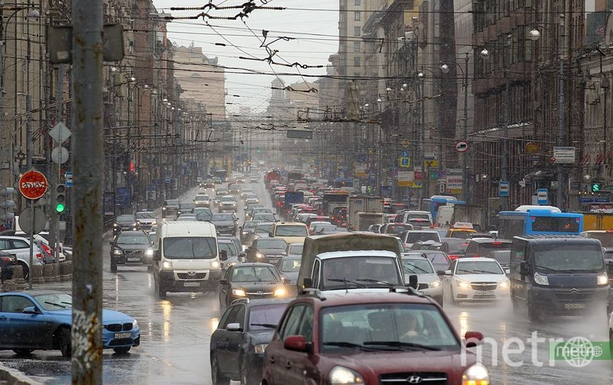Дороги Москвы будут обработаны противогололёдными материалами 30 октября. Фото Василий Кузьмичёнок