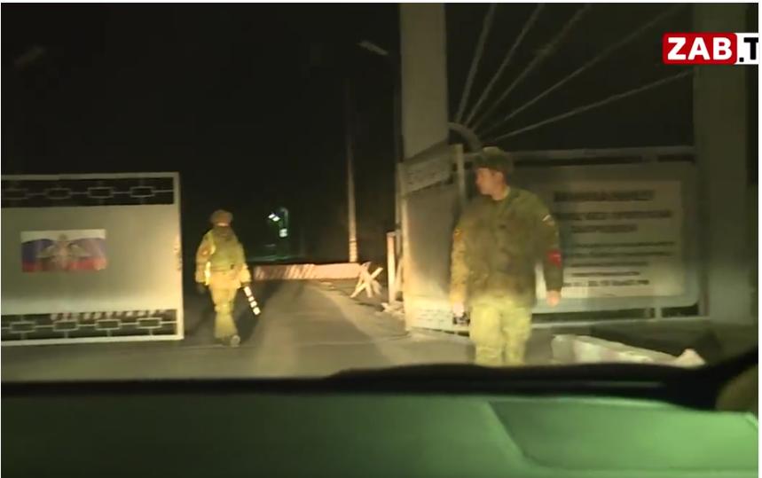 Стрельба в войсковой части 54160 произошла вечером 25 октября. Фото скриншот youtube.com/watch?v=eIg5BTF5h6s, Скриншот Youtube