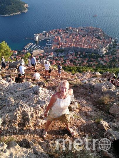 """Меня зовут Марина, мне 62 года. Я работаю и очень люблю активный образ жизни и мои подруги меня поддерживают! Мы любим театр, спектакли, концерты, путешествия, море, лес и животных. Наш девиз: cтарость меня дома не застанет, я в дороге, я в пути! Фото Марина Новожилова, """"Metro"""""""