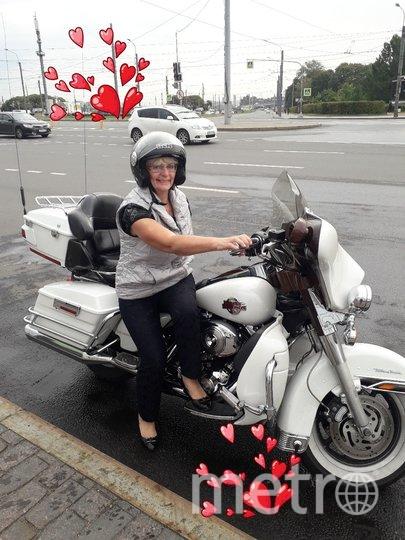 """Я тебе не бабушка, я-байкерша на легендарном Harley Davidson! По набережной Невы с ветерком! Евгения Врублевская. Фото """"Metro"""""""
