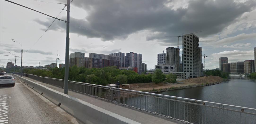 Набережную под Шелепихинским мостом через Москву-реку благоустроят. Фото скриншот google.com/maps