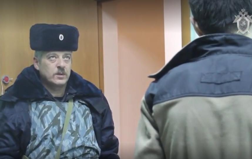 Во время допроса задержанный вел себя неадекватно, дрожал, говорил с трудом. Фото скриншот видео СК РФ