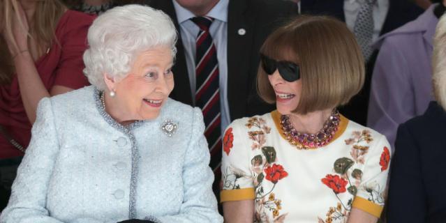 Анна Винтур и королева Елизавета II.