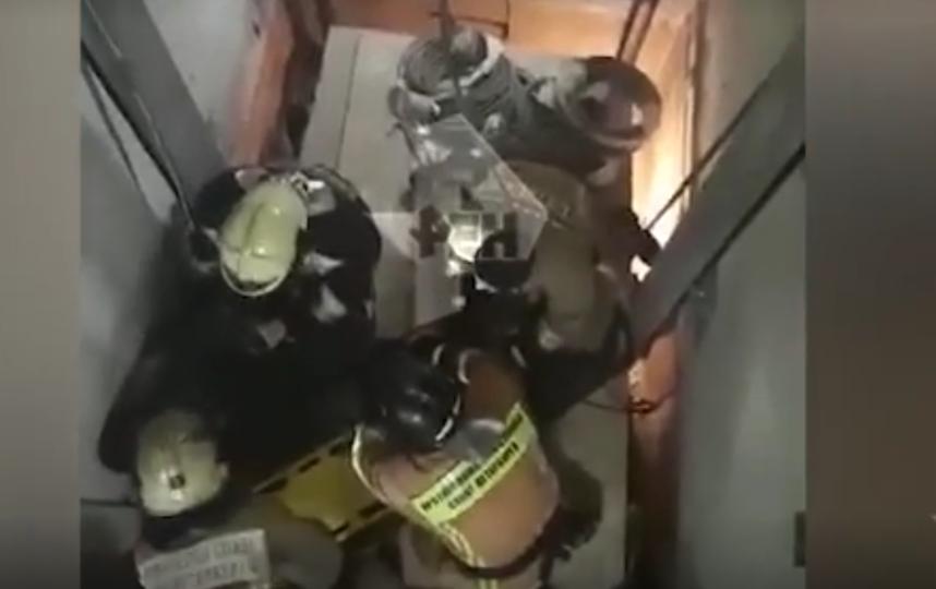 Грузовой лифт рухнул в роддоме в Невском районе Петербурга. Фото скриншот видео https://ren.tv