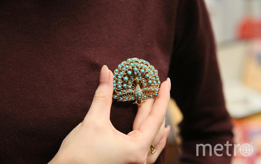 Брошь с бирюзой – любимым в молодости камнем Людмилы Зыкиной. Возможно, из-за его недорогой цены. Фото Василий Кузьмичёнок