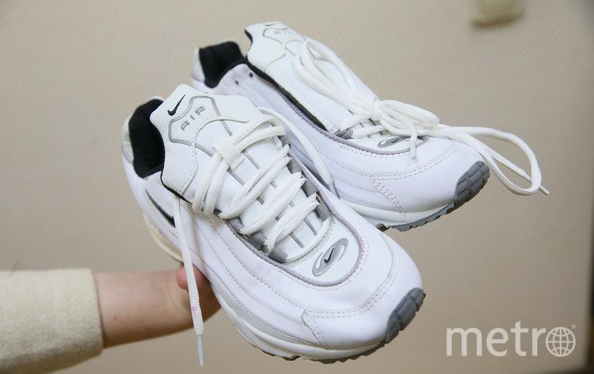 Поддельные кроссовки родом из 2000-х, которые не чуралась носить Людмила Зыкина. Фото Василий Кузьмичёнок