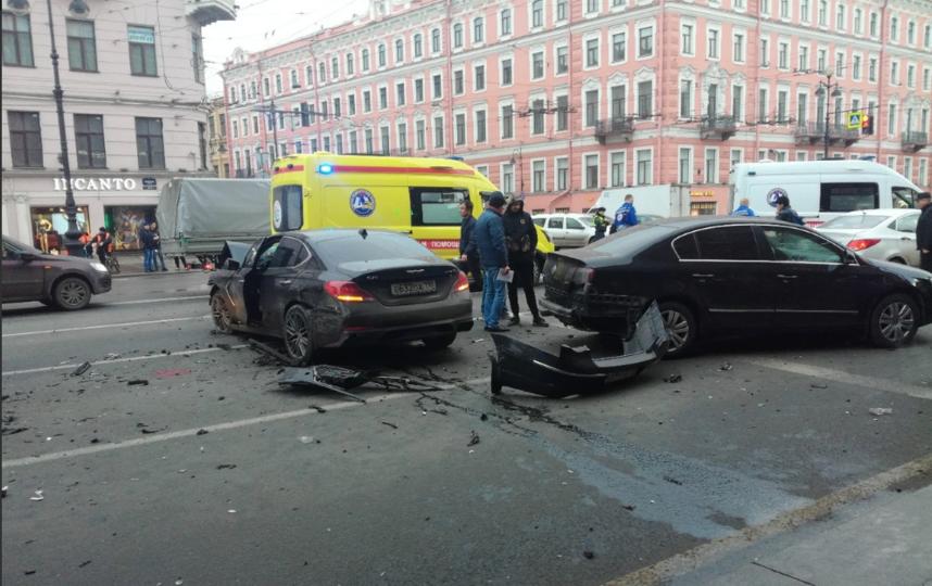 Смертельное ДТП произошло 30 марта 2019 года. Фото ДТП и ЧП | Санкт-Петербург | vk.com/spb_today., vk.com
