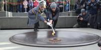 Вечный огонь вновь зажгли на Монументе Славы