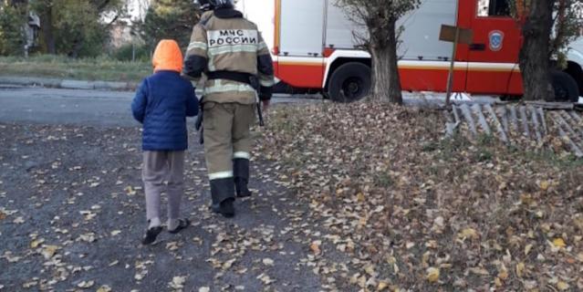 К мальчику приехали ростовские пожарные.