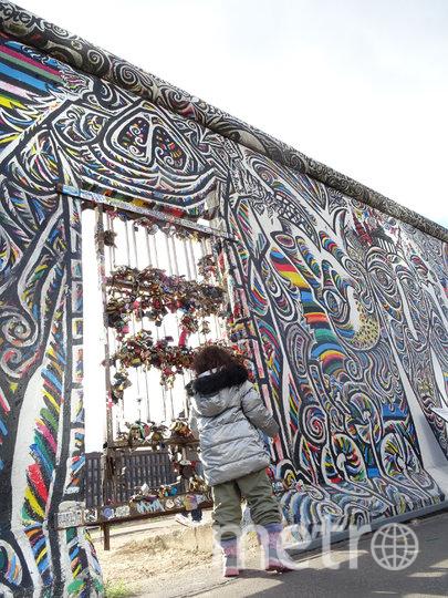 Галерея East Side. Фото LAMOCHILANEGRA.COM