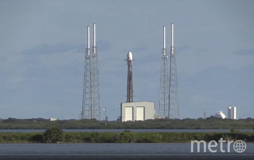 SpaceX объявила об успешном старте ракеты-носителя Falcon 9 с 60 спутниками Starlink. Фото AFP